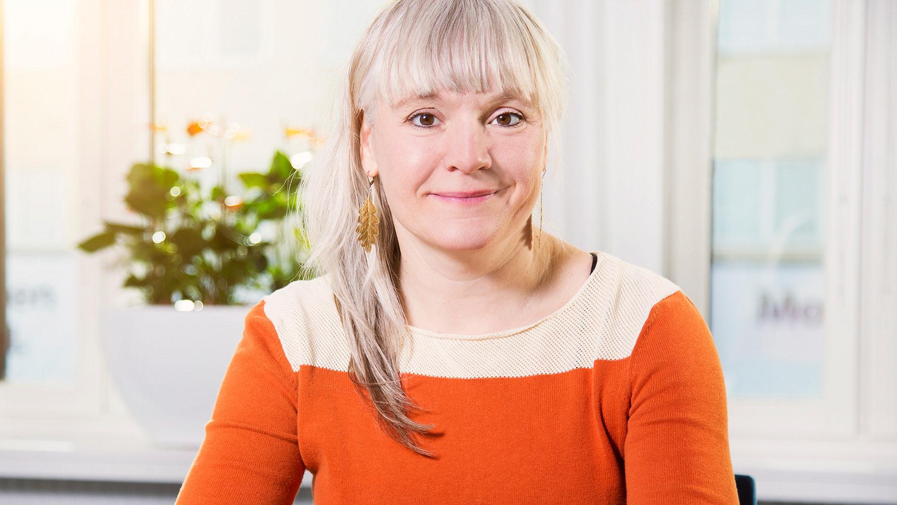 Ellen Landberg utbildar chefer i hur hur man arbetar förebyggande mot sexuella trakasserier.